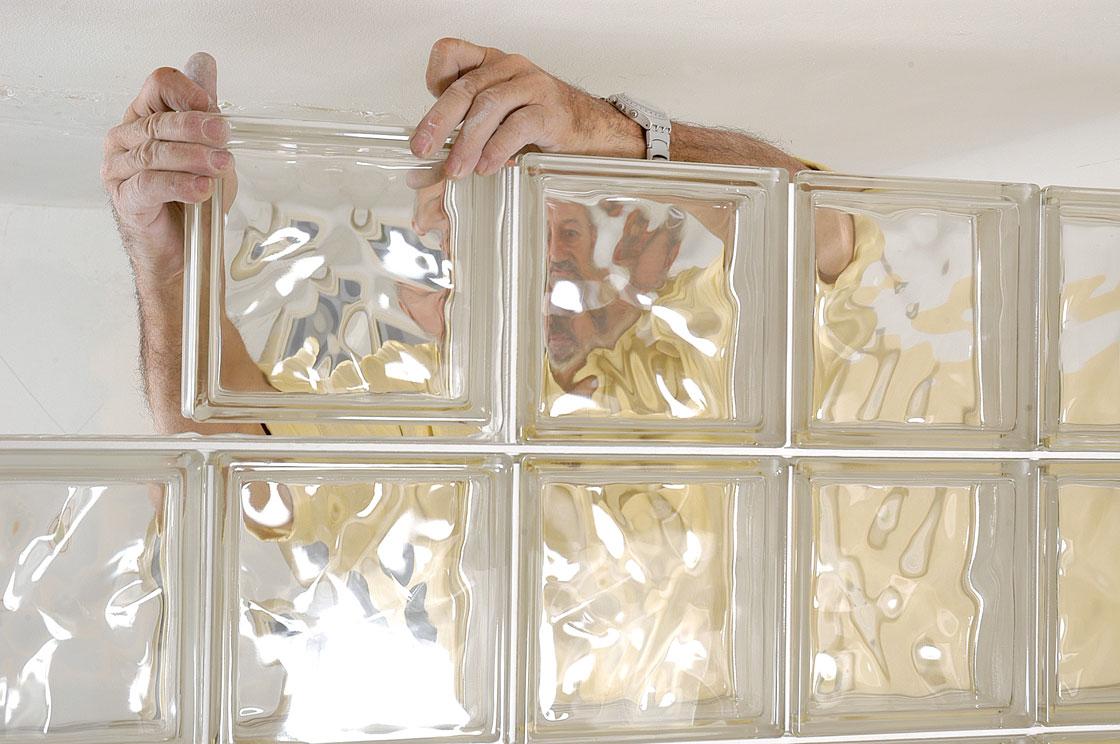 cloison en briques de verre bricolage avec robert