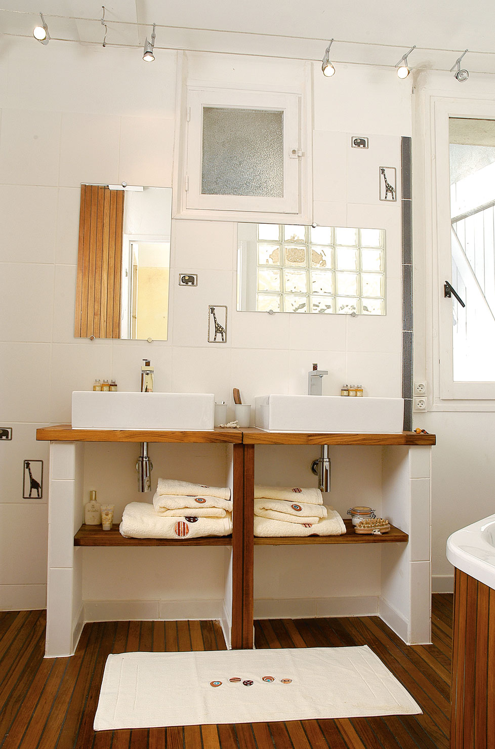 Salle de bain gris fushia: chambre adultes moderne aimo photo n ...