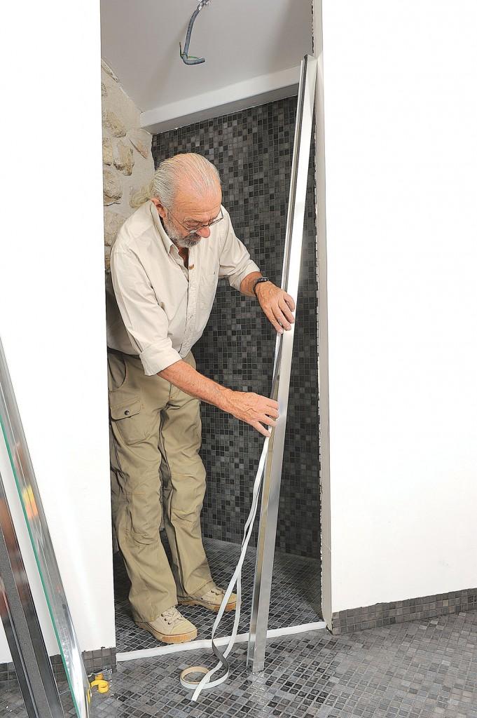 porte de douche pivotante r glable en largeur bricolage avec robert. Black Bedroom Furniture Sets. Home Design Ideas