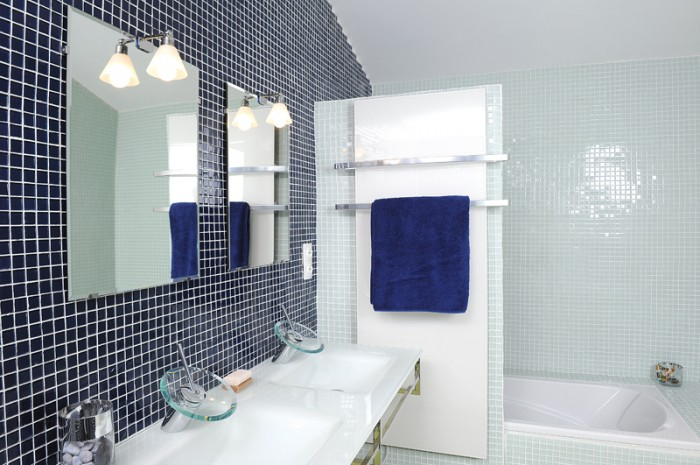 Mosa que archives bricolage avec robert for Petit carreaux salle de bain
