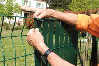 clôture métallique en panneaux-48