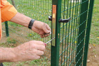 clôture métallique en panneaux-63