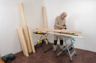 fabriquer une porte en bois massif bricolage avec robert. Black Bedroom Furniture Sets. Home Design Ideas