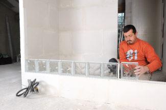 Bricolage avec Robert-mur en brique de verre-16