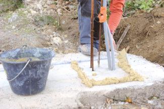 Bricolage avec Robert-pilier en pierre-07