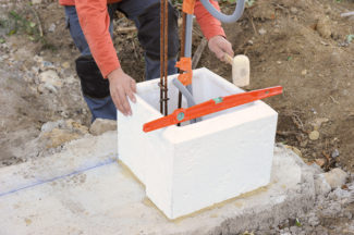 Bricolage avec Robert-pilier en pierre-10