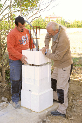 Bricolage avec Robert-pilier en pierre-21