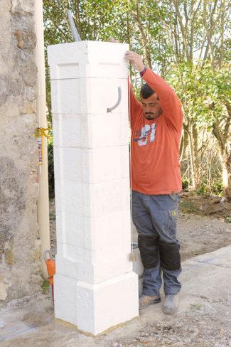 Bricolage avec Robert-pilier en pierre-25