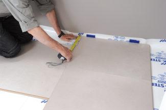 Poser des dalles au sol-bricolage avec robert-25