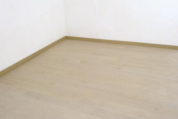 sur un ancien carrelage poser un plancher chauffant sous un parquet coll bricolage avec robert. Black Bedroom Furniture Sets. Home Design Ideas