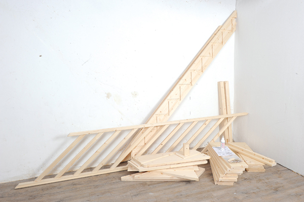 Bricolage avec Robert-escalier en bois-01