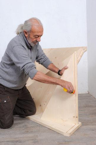 Bricolage avec Robert-escalier en bois-10
