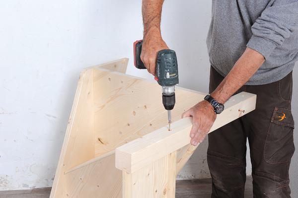 Bricolage avec Robert-escalier en bois-14
