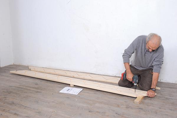 Bricolage avec Robert-escalier en bois-16