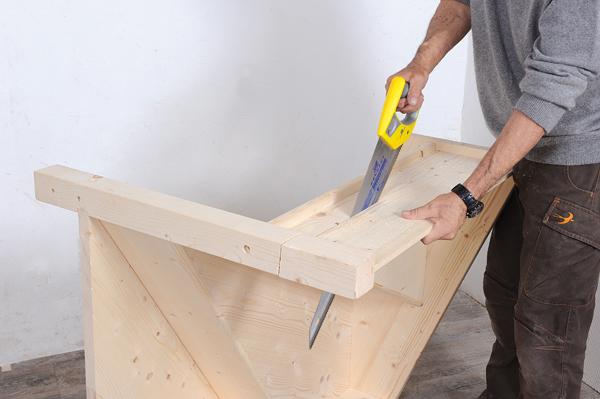 Bricolage avec Robert-escalier en bois-22