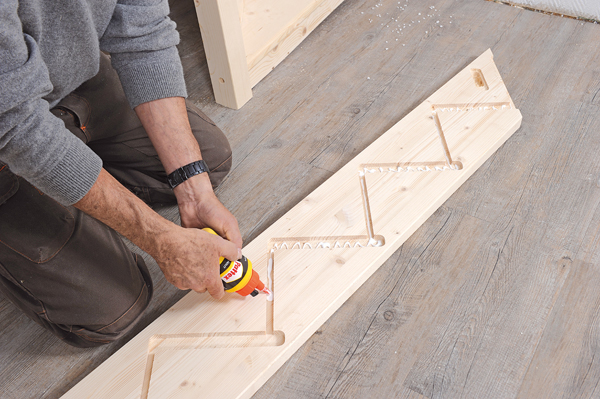 Bricolage avec Robert-escalier en bois-24