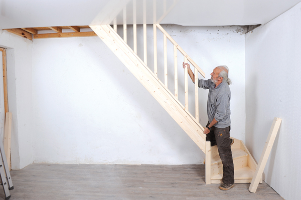 Bricolage avec Robert-escalier en bois-37