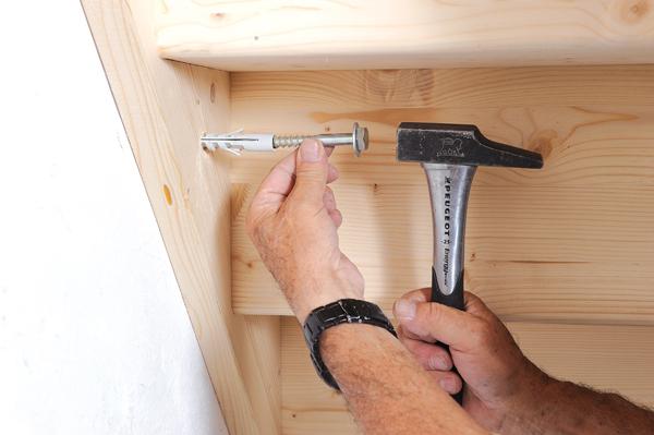 Bricolage avec Robert-escalier en bois-41