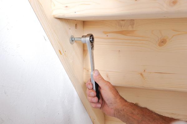 Bricolage avec Robert-escalier en bois-42