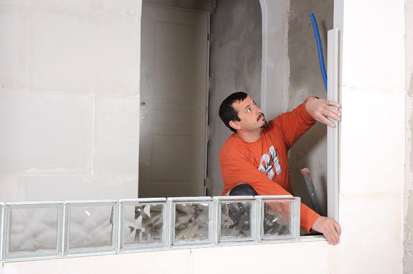 Bricolage avec Robert-mur en brique de verre-17