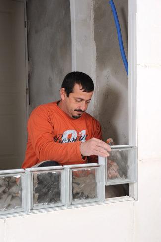 Bricolage avec Robert-mur en brique de verre-19
