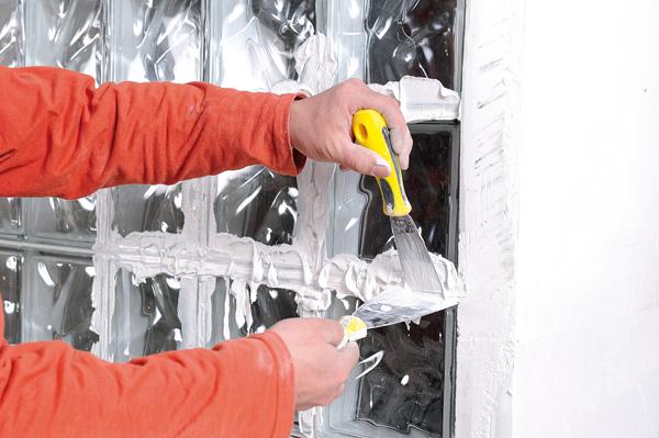 Bricolage avec Robert-mur en brique de verre-41