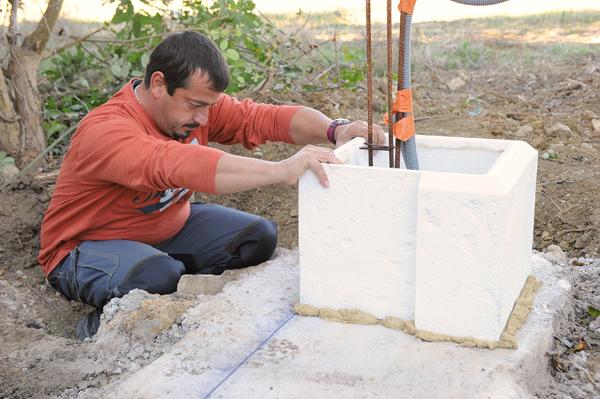Bricolage avec Robert-pilier en pierre-09