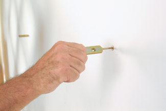 Accrocher une étagère-bricolage agec robert-17