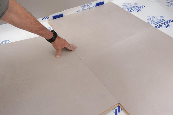 Poser des dalles au sol-bricolage avec robert-24