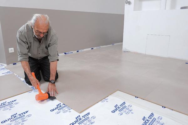 Poser des dalles au sol-bricolage avec robert-45